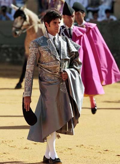 Cayetano Rivera, vestido de Armani en Ronda.