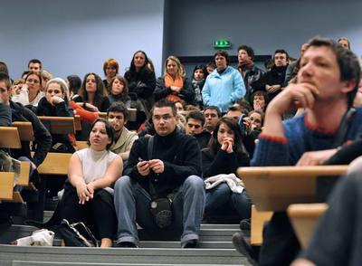 Los alumnos de la Unión Europea se preparan para estudiar en inglés, que ya es la lengua franca de los negocios y la investigación.