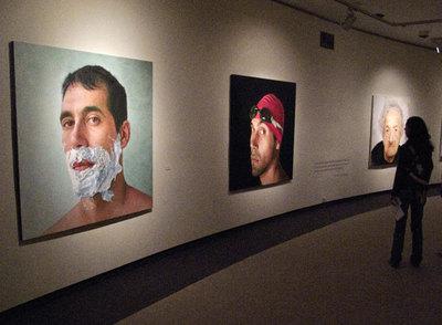La exposición  El arte de la semejanza , en el centro Caixanova de Vigo, el pasado viernes.