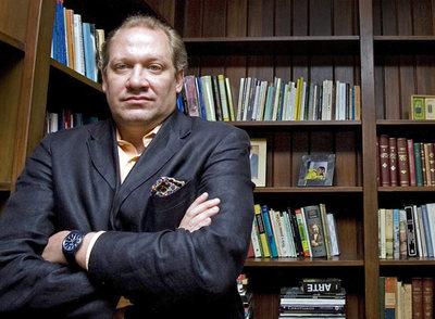 El historiador Rafael Rojas, fotografiado ayer en su casa de Ciudad de México.