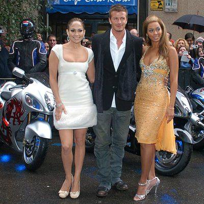 Jennifer López, Beckham y Beyoncé (derecha), a su llegada a la presentación de un anuncio de Pepsi en Madrid.