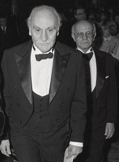 Francisco Ayala durante la ceremonia de su ingreso en la Real Academia Española de la Lengua en 1984.