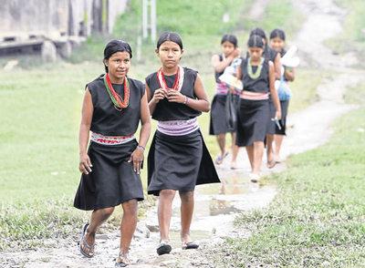 Mujeres y niñas de la comunidad indígena inga, en el sur de Colombia.