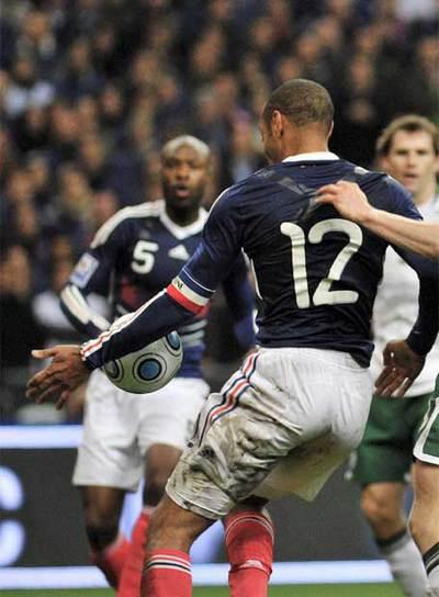 La mano de henry que dio la clasificación a Francia.