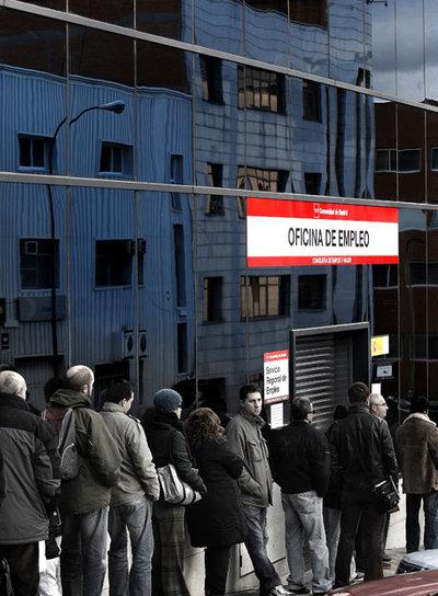 Una lista con cuatro millones de nombres edici n impresa for Oficina de desempleo malaga