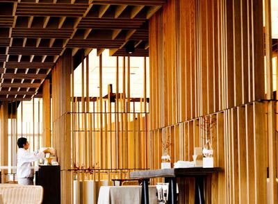 Sandra Tarruella firma el interiorismo del restaurante Bravo, situado en el hotel W de Barcelona.