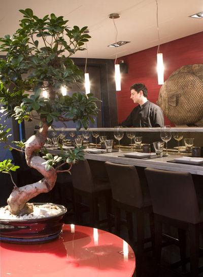 La barra del 99 Sushi Bar, donde trabaja el  sushi man  Luis Arévalo.