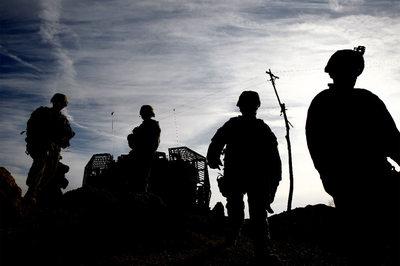 Soldados estadounidenses avanzan hacia Marjah en las inmediaciones de Laskar Gah, capital de la provincia de Helmand.
