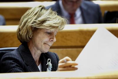 La vicepresidenta y ministra de Economía, Elena Salgado, en el pleno del Senado.