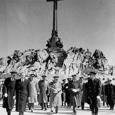 33832 personas est225n enterradas con franco en la mayor