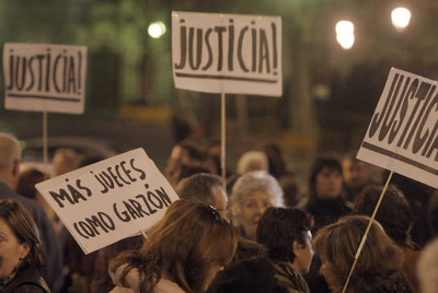 Concentración de apoyo a Garzón el pasado jueves, frente a la Audiencia Nacional.