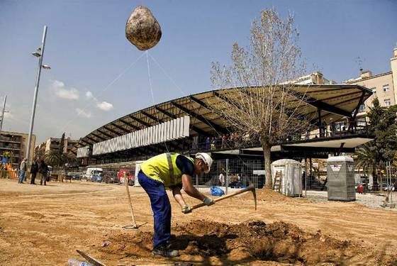 Noticias de catalu a edici n impresa 13 04 2010 el pa s - Oficinas empadronamiento barcelona ...
