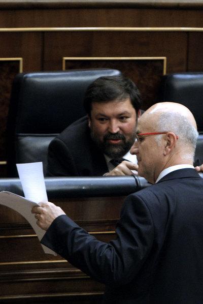 Francisco Caamaño y Duran Lleida (de pie), en el Congreso.
