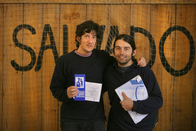 Hugo Alcalde (izquierda) y Jorge Güemes se declaran objetores fiscales al gasto militar.