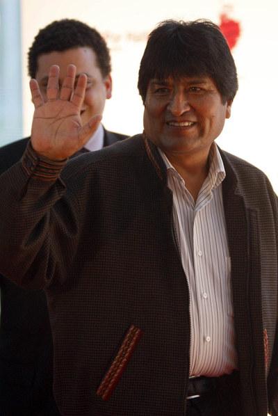 Evo Morales llega al estreno de la película de Oliver Stone.