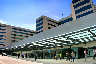 Una vista, captada en la mañana de ayer, del nuevo complejo del hospital general universitario La Fe de Valencia, cuyas obras están prácticamente acabadas.