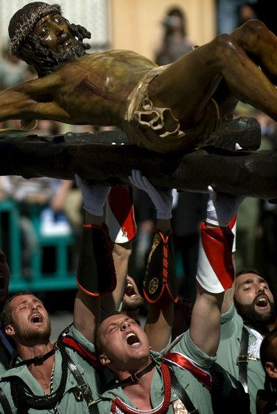 Legionarios en la procesión de la Buena Muerte de Málaga.