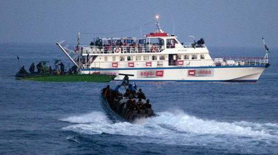 Fuerzas israelíes asaltan uno de los barcos con ayuda humanitaria que se dirigían a Gaza, el pasado mayo.