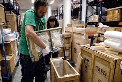 El macba y la caixa suman su arte edici n impresa el pa s for Horario oficinas catalunya caixa