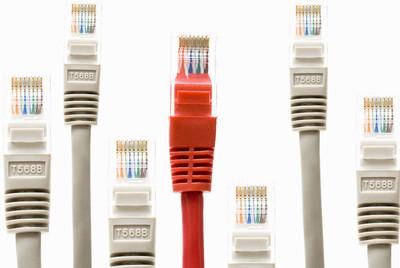 Los proveedores de las conexiones quieren participar en el negocio de Internet.