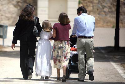 En España, se celebran unas 20.000 primeras comuniones al año.