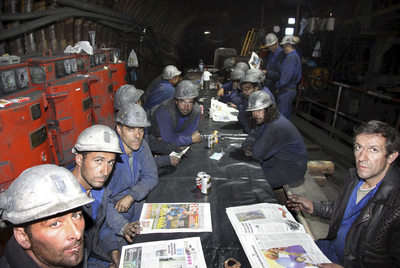 Mineros encerrados a 500 metros de profundidad en Velilla del Río (Palencia) para exigir sus salarios.