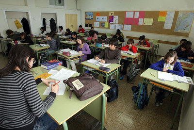 Educación dice que habrá 7.500 profesores más, pero los sindicatos denuncian un recorte.