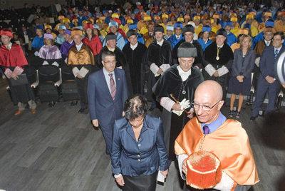 Apertura solemne del actual curso académico en la Universidad del País Vasco, en presencia del  lehendakari  López.