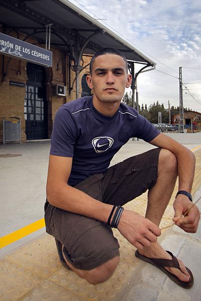 Manuel Paz prepara su ingreso en el Ejército.