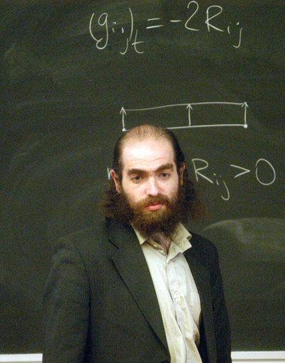 Grigori Perelman, tras resolver la conjetura de Poincaré, dejó su trabajo en el prestigioso Instituto Steklov, de Moscú, en el año 2005, y anunció que abandonaba las matemáticas.