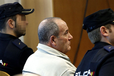 Antonio Serrano, acusado de matar a su esposa en 2008, en el banquillo de la Audiencia Provincial de Madrid.