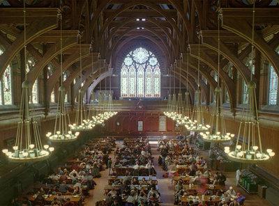 Harvard lidera los  rankings  internacionales. En la imagen, la sala Annenberg Hall de la Universidad.