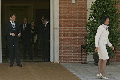 La secretaria de Estado de la Administración Bush, Condoleezza Rice, abandona La Moncloa tras una reunión con Zapatero en 2007.
