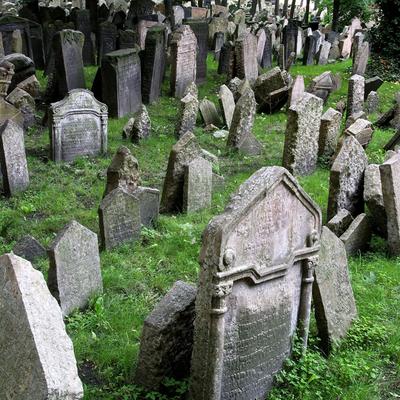 Cementerio judío de Praga, uno de los escenarios de la novela de Umberto Eco.
