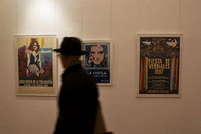 Un aspecto de la exposición de carteles de Eugenio Chicano, en la sede del Ateneo de Málaga.