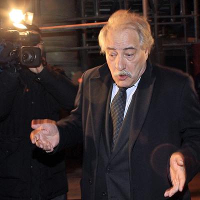 Hernández Moltó atiende a los medios a la salida ayer de la Audiencia Nacional.
