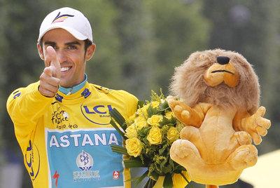 Alberto Contador, en el podio del pasado Tour.