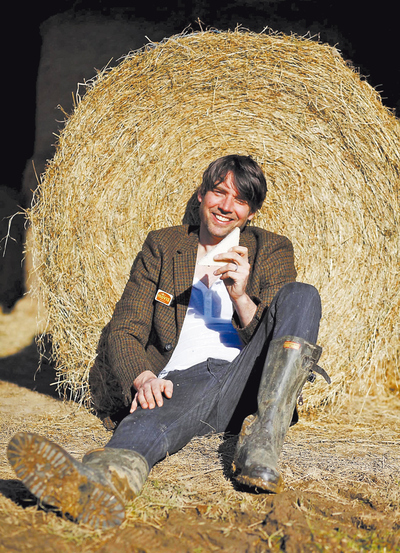 Alex James, de Blur, triunfa con su propia compañía de quesos.