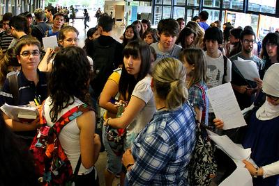 Más de 185.000 titulados de Bachillerato han aprobado la nueva selectividad.