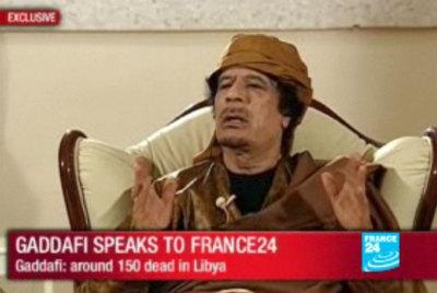 Gadafi, durante la entrevista que concedió al canal France 24.