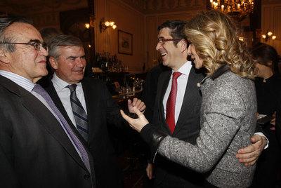 El  lehendakari,  Patxi López, con la ministra Cristina Garmendia en el Foro Abc.