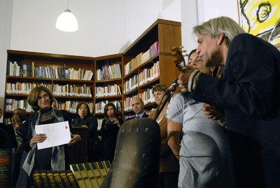 Luis Pastor y Lourdes Guerra cantan en la casa de Saramago.