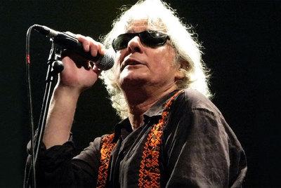 El músico Julio Galcerá en una de sus actuaciones.