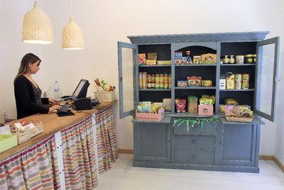 Paloma Montón, propietaria de una tienda de comida ecológica para niños en Chamberí.
