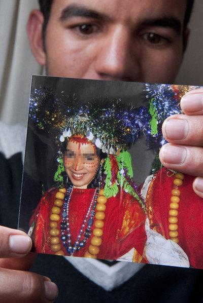 Yedir K., de 27 años, está acusado de agredir sexualmente y con violencia a su esposa María (nombre ficticio), de 16 años.