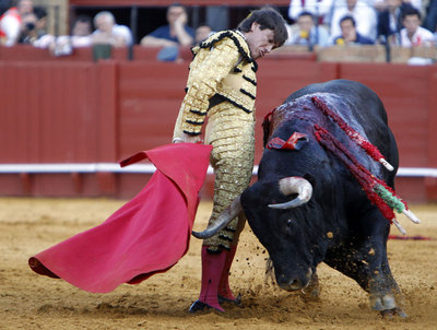 Antonio Barrera, durante su faena al cuarto toro.