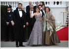 La reina recibe, los novios descansan