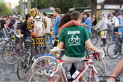 Los ciclistas toman las calles de Madrid una vez al año desde 2009.