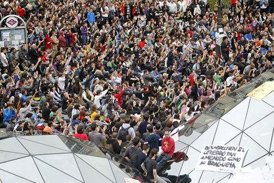 Aspecto de la concentración, ayer, en la Puerta del Sol de Madrid.