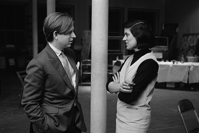 Susan Sontag (Nueva York, 1933-2004) y Tom Wolfe, en una fotografía de los años sesenta tomada durante una fiesta en casa de Robert Rauschenberg.